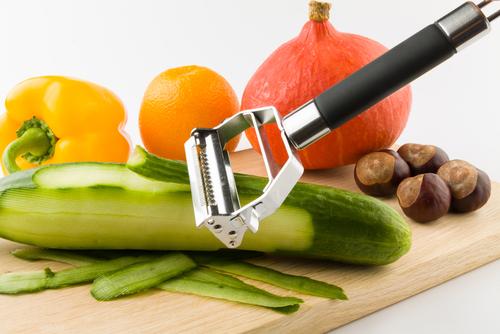 Alat Pengupas Sayur dan Buah (Peeler)