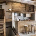 9 Bahan Alami yang Buat Furniture Kayu Mengkilap