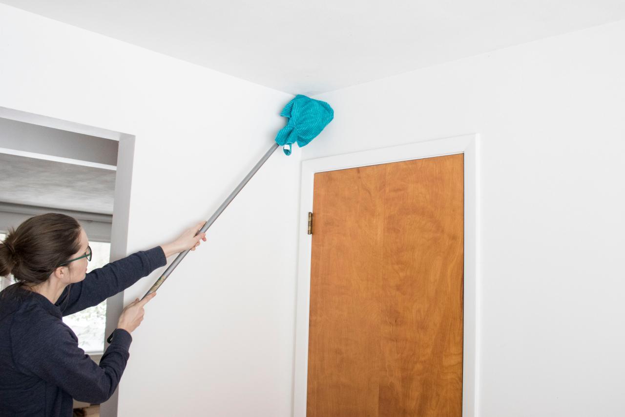 Lap kering untuk wallpaper dinding