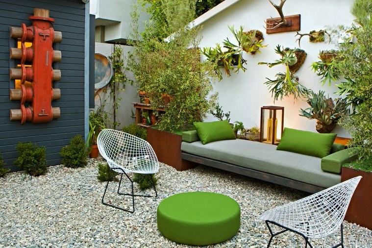 kursi santai outdoor rumah