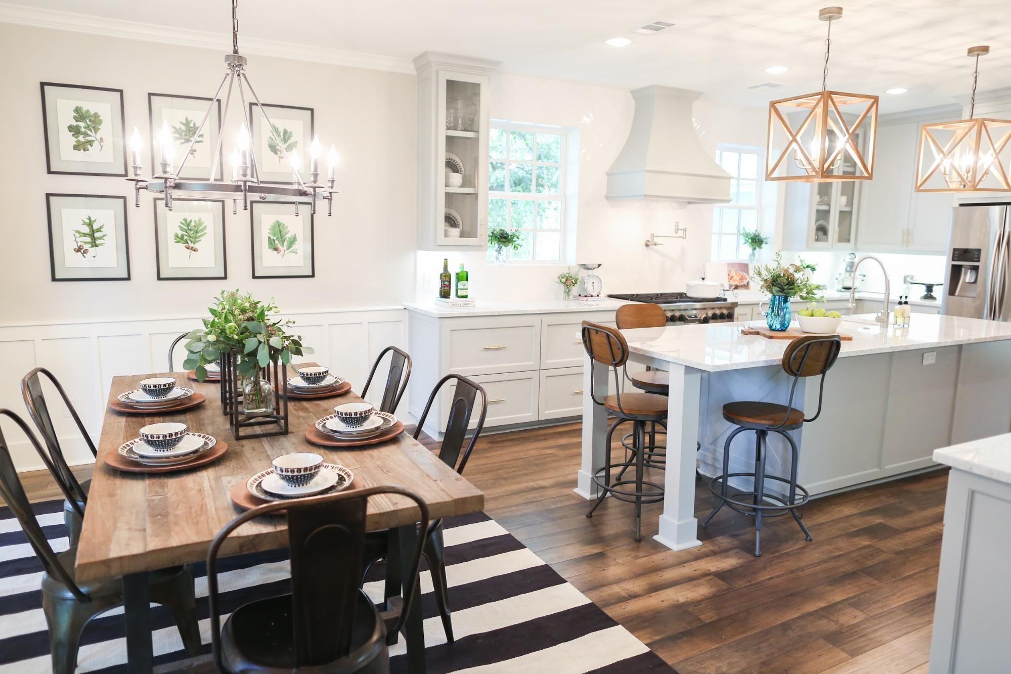 gabungan antara dapur dan ruang makan