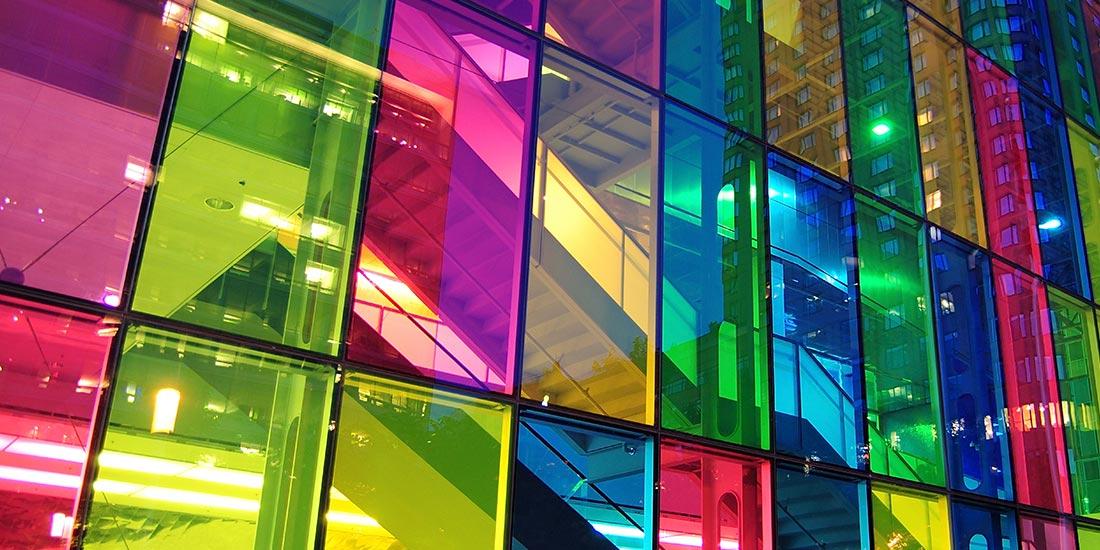jenis kaca rumah berwarna