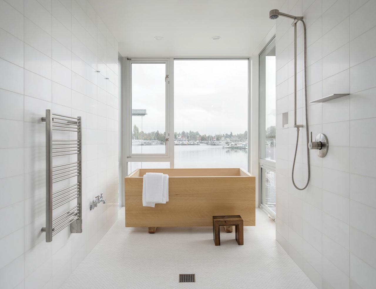 perhatikan ukuran dan bentuk peralatan kamar mandi
