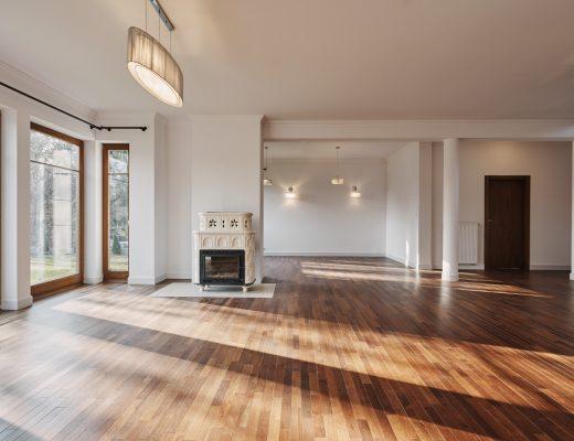 Cara Ampuh Membersihkan Lantai Kayu di Rumah