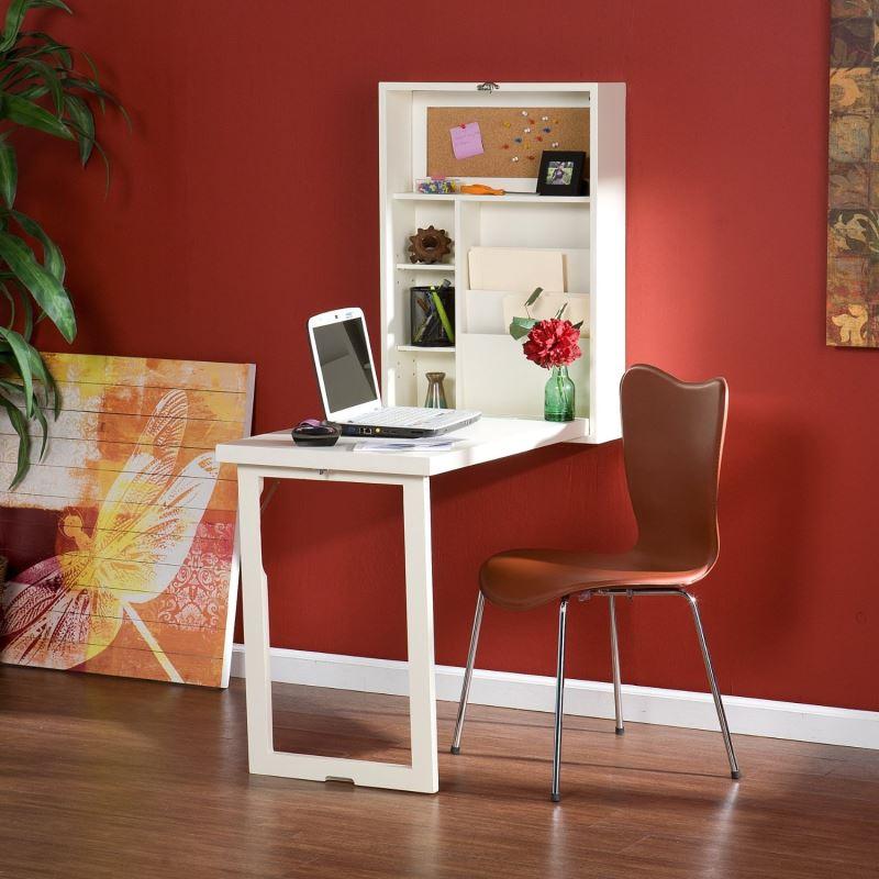 Meja kecil untuk bekerja