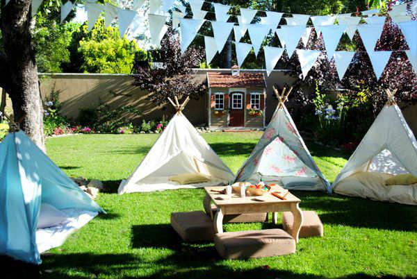 Taman Rumah yang Bisa Digunakan untuk Camping