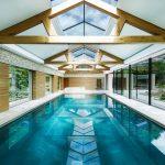 8 Desain Kolam Renang Indoor Anti-Mainstream