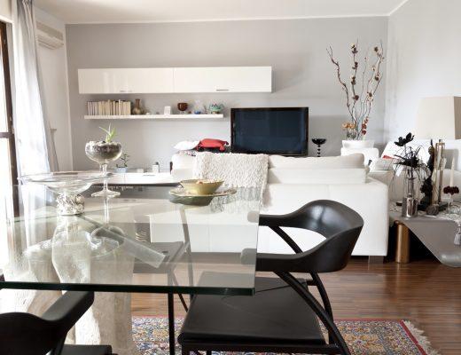 Tips Merawat Furniture Kaca agar Tetap Kinclong