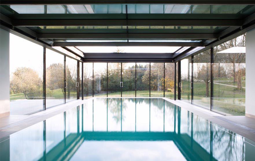 kolam renang atap transparan