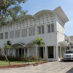 Arsitektur Jengki: Gaya Asli Eksterior & Interior Indonesia