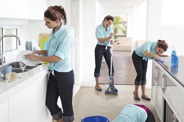 Bersihkan benda dari yang besar hingga kecil