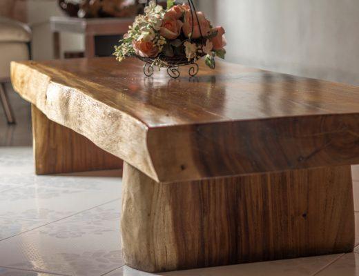 Furnitur Meja dari Kayu Jati