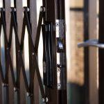 Plus, Minus, dan Tips Memasang Pintu Teralis