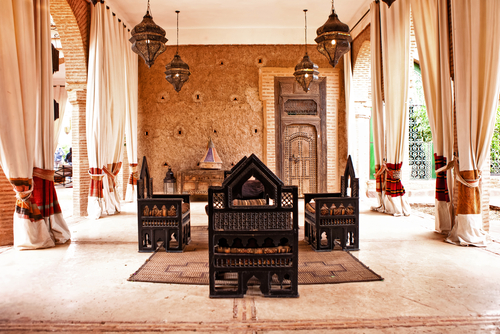 Warna Khas Interior Maroko - Ciri Gaya Desain Arsitektur Maroko yang Eksotis