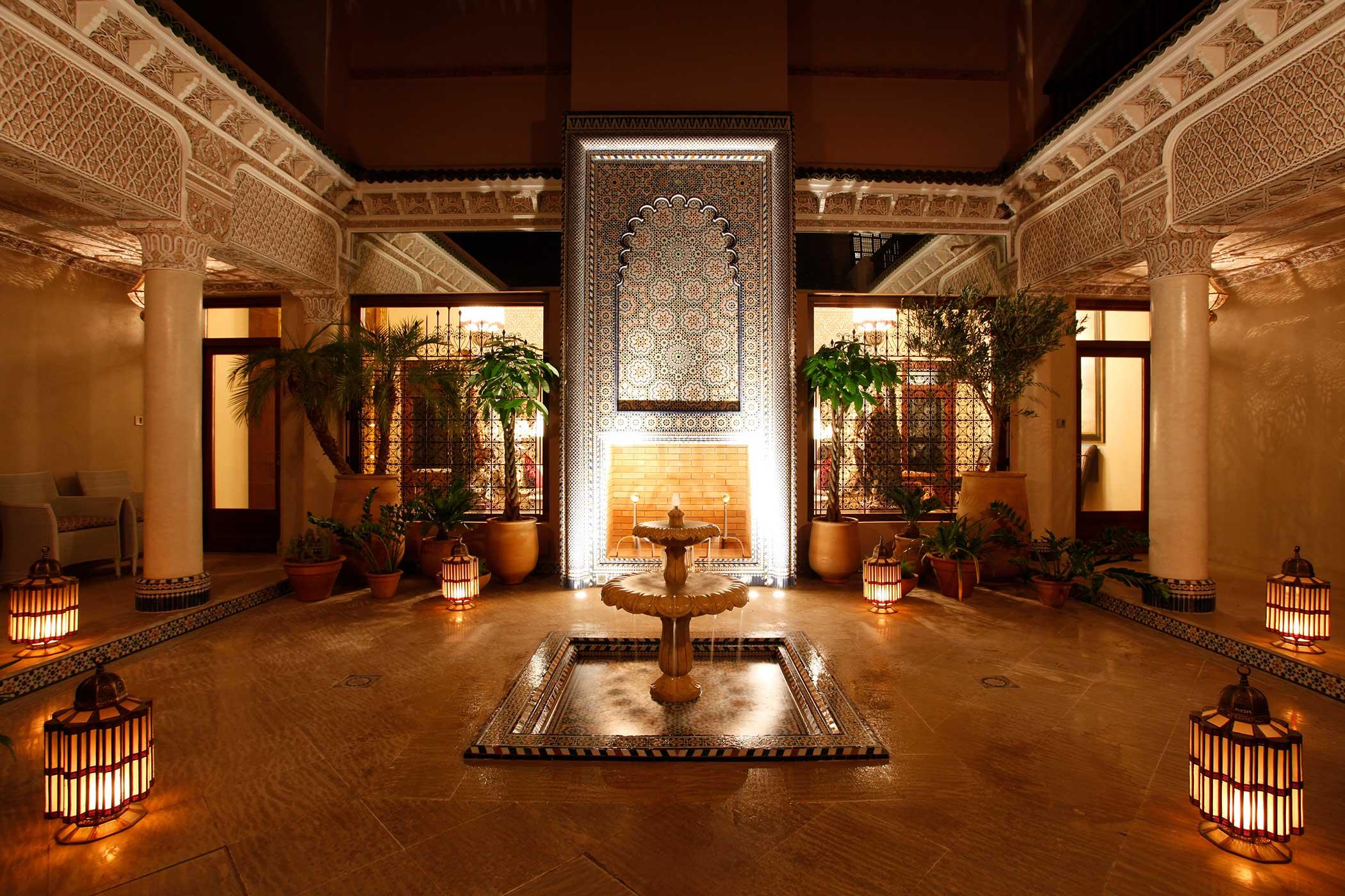 lampu khas maroko - Ciri Gaya Desain Arsitektur Maroko yang Eksotis