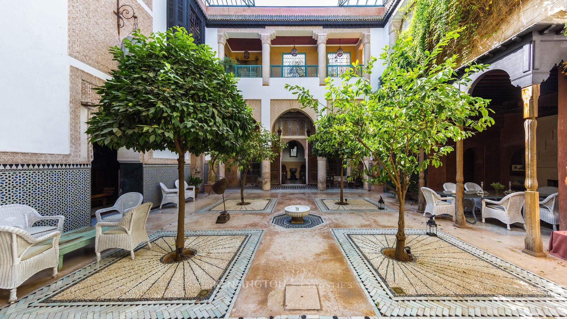pentingnya riad di arsitektur maroko - Ciri Gaya Desain Arsitektur Maroko yang Eksotis