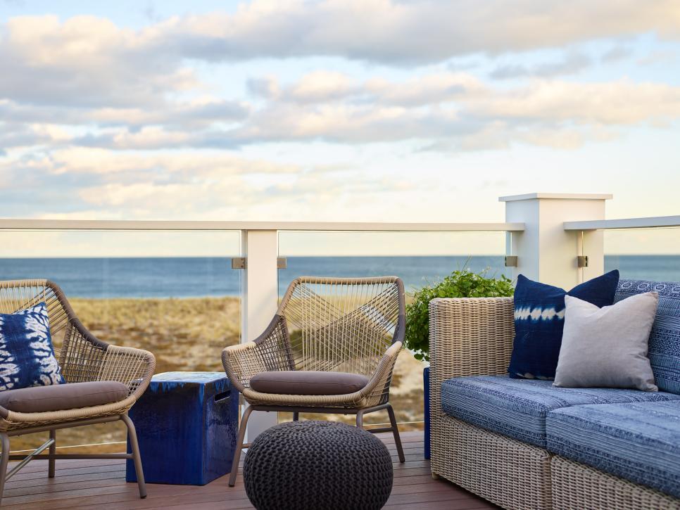 balkon dengan gaya desain coastal