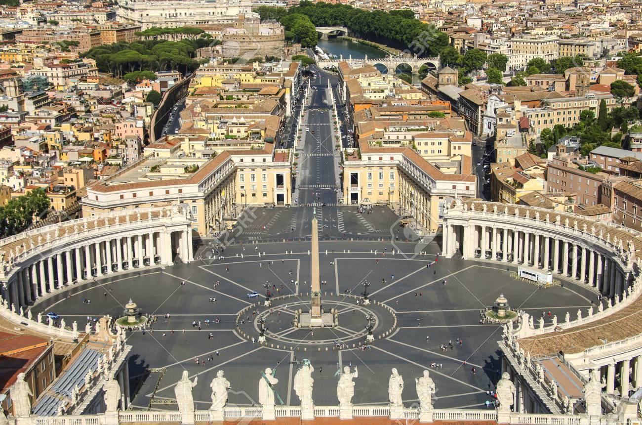 St. Peter's Square arsitektur baroque