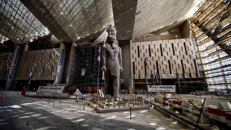 Grand Egyptian Museum/desain patung 2020