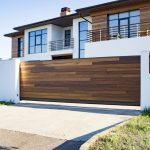 10 Jenis Pagar Rumah Berdasarkan Material, dari Besi Hingga Kayu