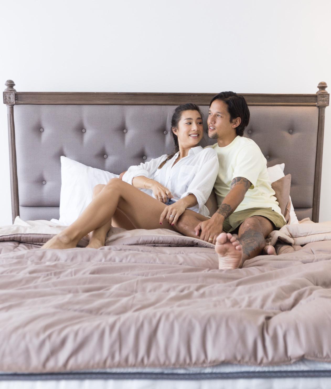 Keharmonisan Pasangan Irfan dan Jennifer Bachdim dalam Rumah Baru