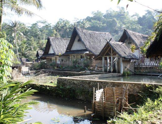 rumah adat dari Sunda
