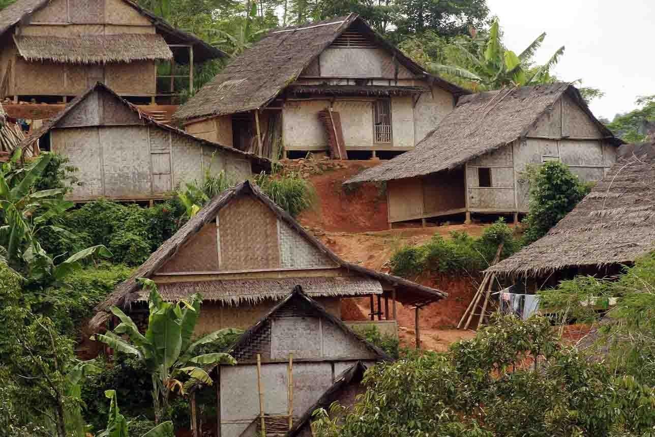 rumah adat sunda (2)