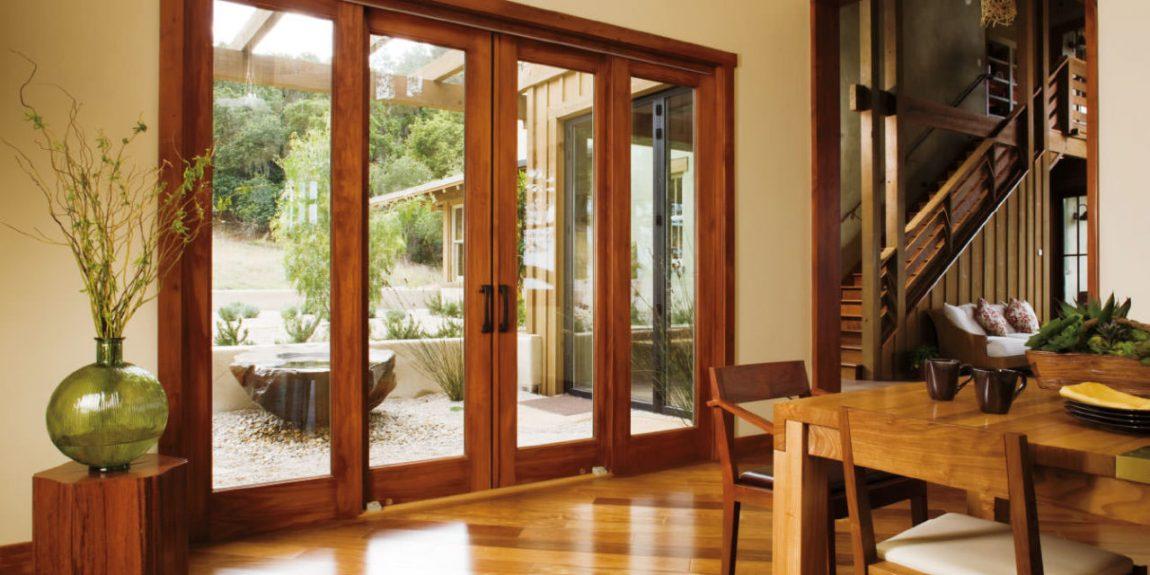 Desain Pintu Rumah Kayu dan Kaca