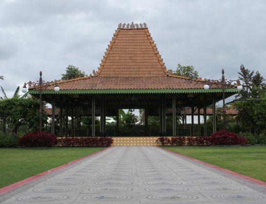 Rumah Adat Jawa Timur - Joglo