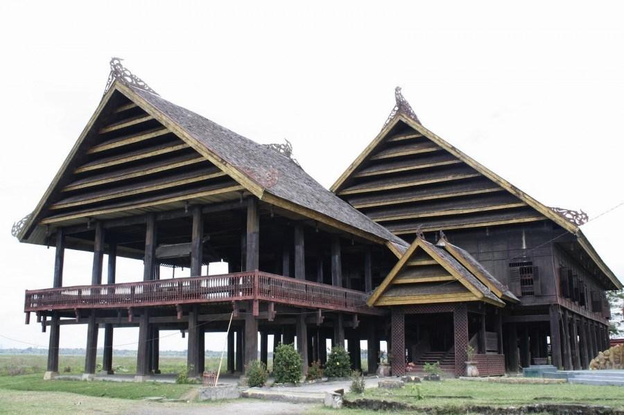 Rumah adat sulawesi selatan suku Bugis
