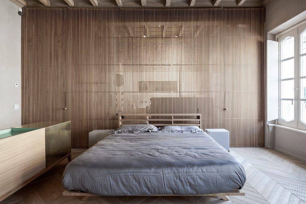 dinding Kayu tipis vertikal yang minimalis