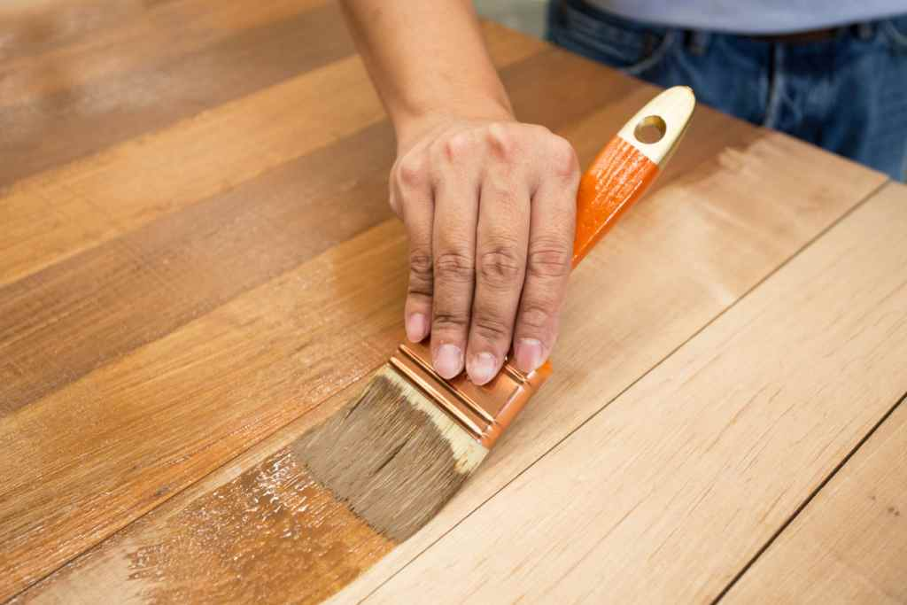 3 finishing cat kayu