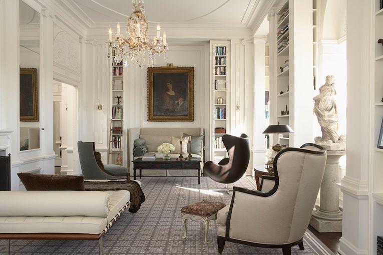 Furniture klasik yang mewah