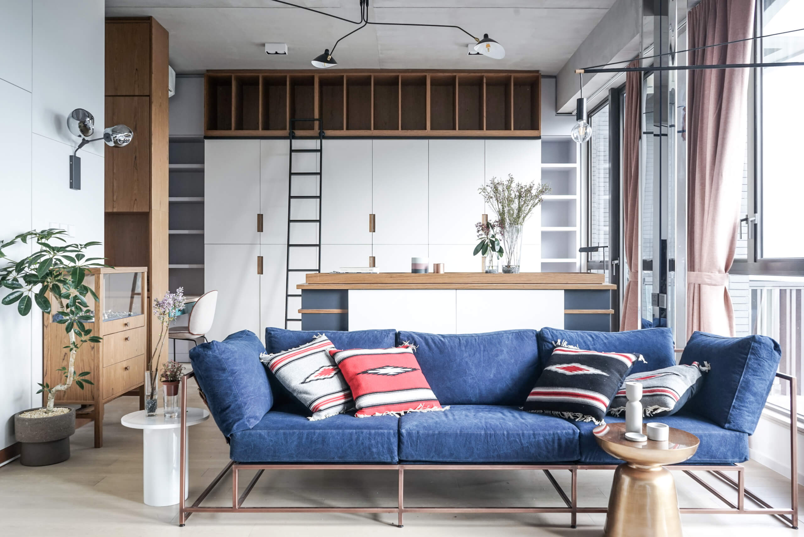 Maximize your space dengan furniture apartemen studio - Penggunaan Furniture pada Desain Interior Apartemen Studio ini, Bisa Dijadikan Inspirasi