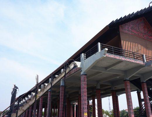 Rumah Adat Kalimantan Barat - Rumah Radakng