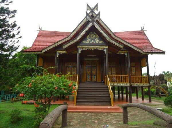 bentuk rumah adat jambi