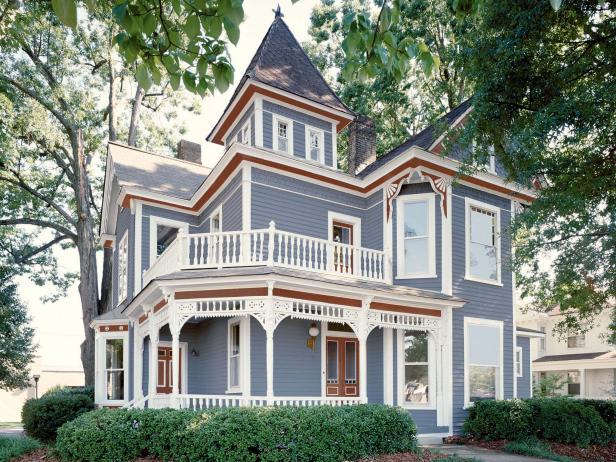 warna cerah pada rumah gaya victorian