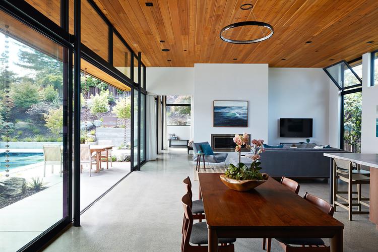 desain rumah kayu minimalis dengan kaca