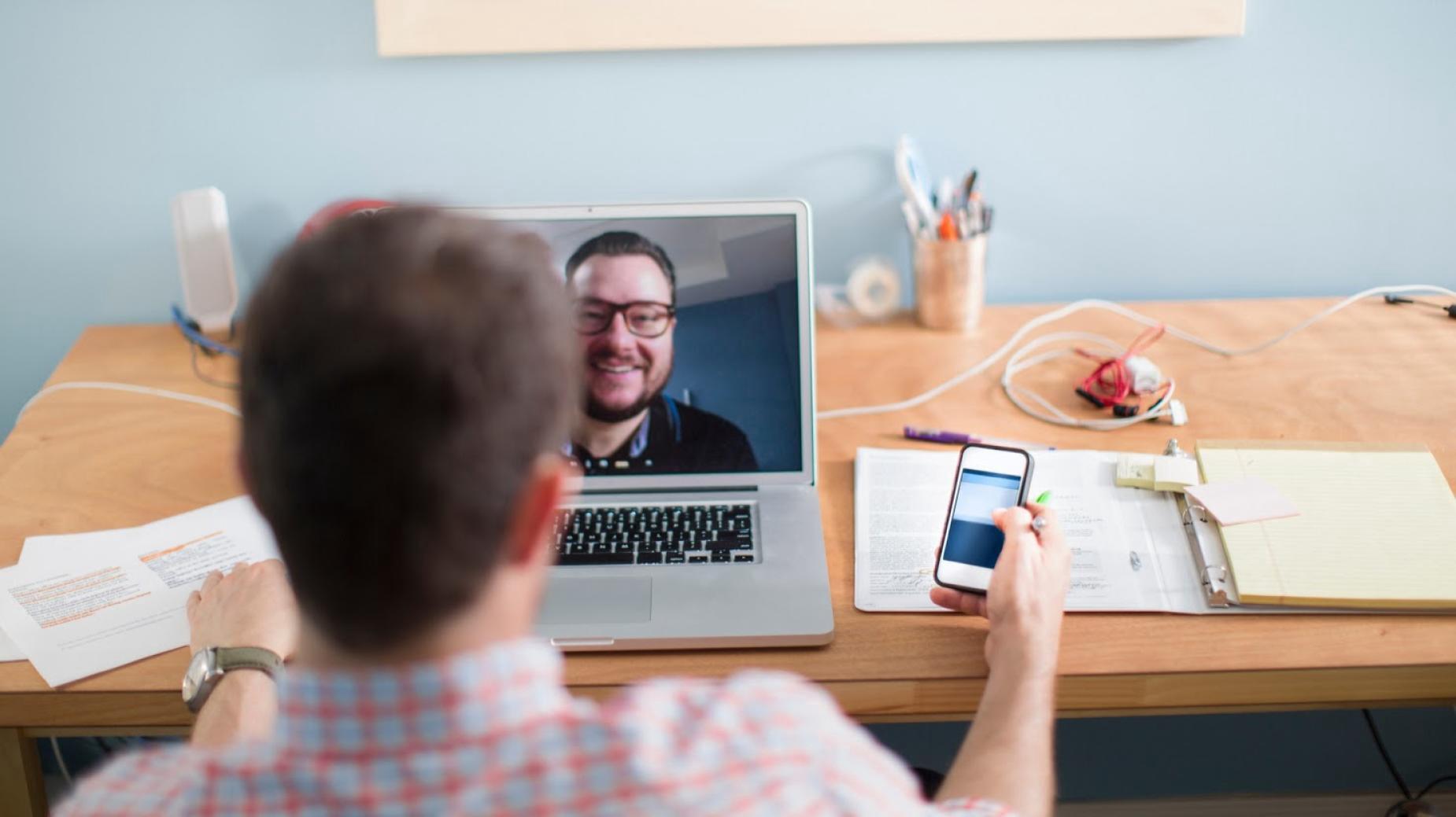 bekerja online video conference