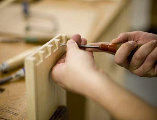 Proses Pengerjaan dan Produksi Furniture Kayu Bramble Furniture