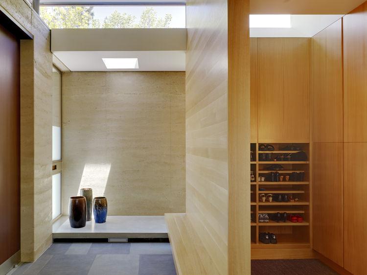 area genkan rumah jepang - Inspirasi Dekorasi Rumah Modern Jepang ini, Memberikan Kesan Nyaman & Menyenangkan