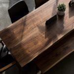 Furniture Kayu Gaharu: Karakteristik, Kelebihan, dan Kekurangan