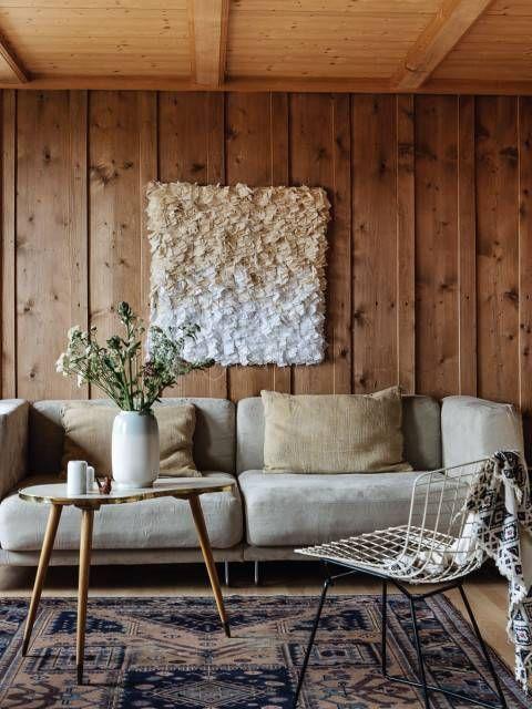 desain rumah rustic modern dengan Panel kayu