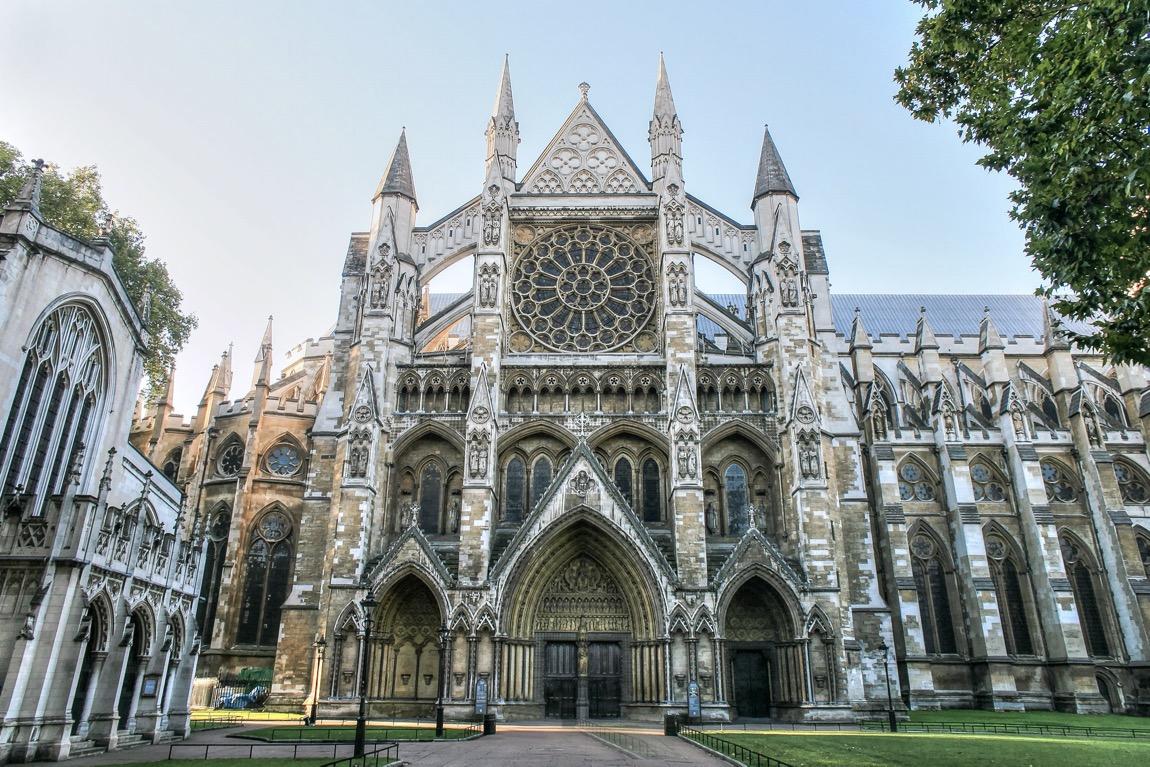 Arsitektur Gereja Gaya Gotik