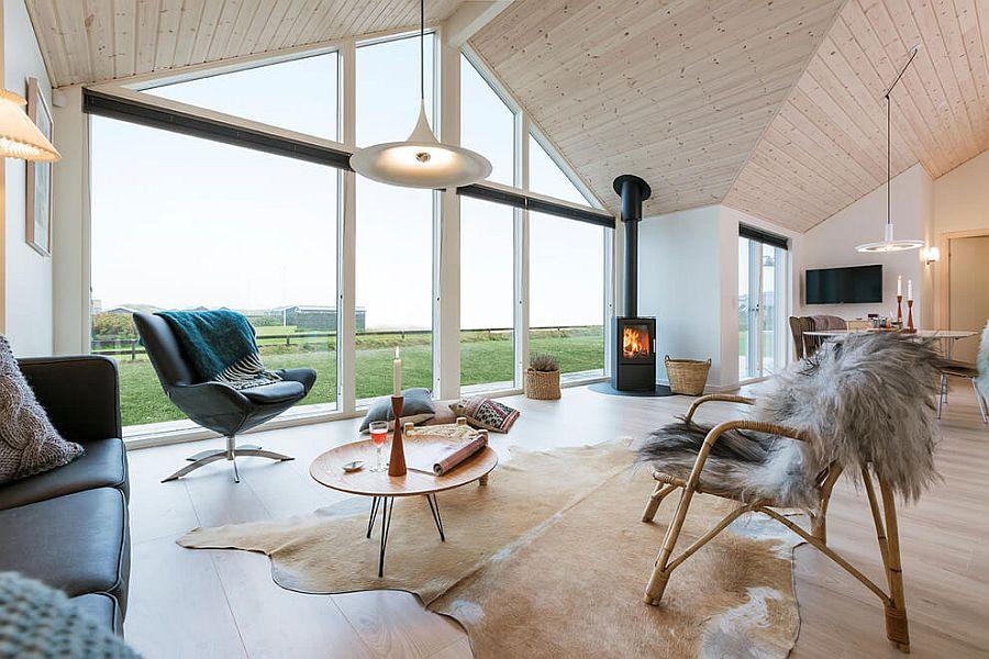 Rumah dengan unsur kayu