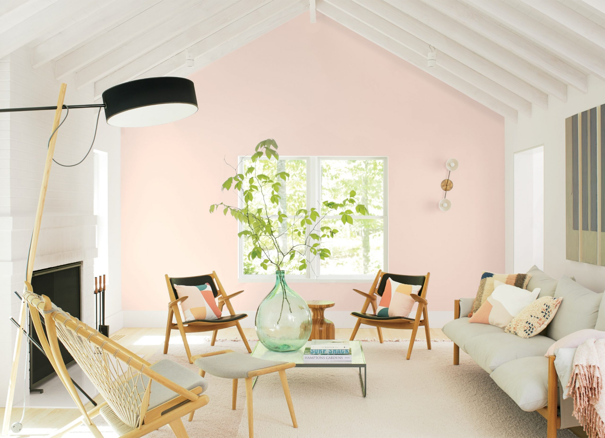 interior musim panas Gunakan warna cat cerah